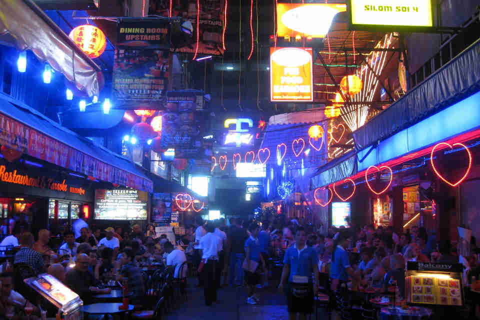 bangkok-gay-travel-silom_4