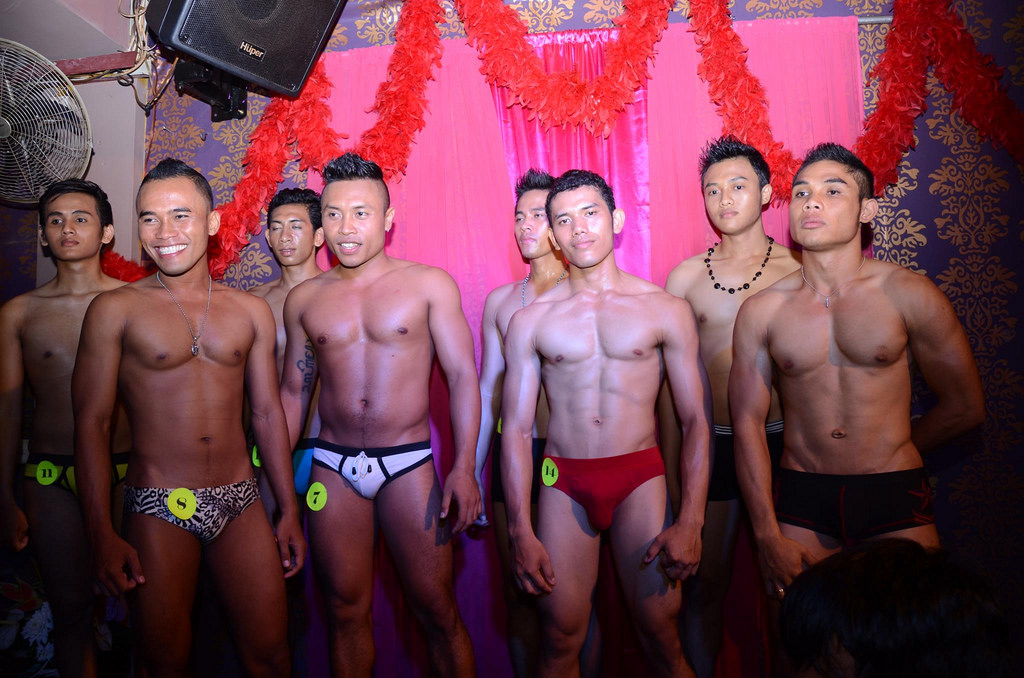 indonesia-Bali_Joe-bar-gay-02