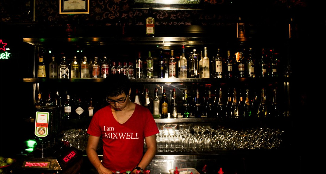indonesia-mixwell-bar-bali-travel-gay-01